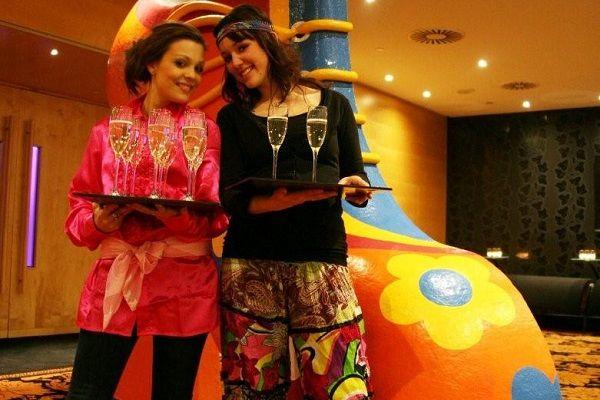 Themafeesten met live muziek & DJ - Liever Live - Flower Power Party