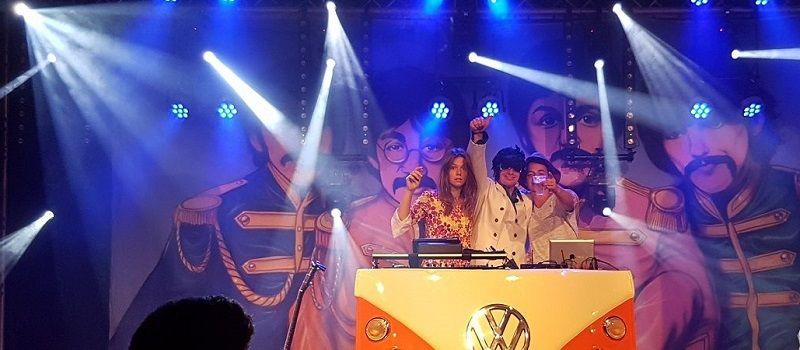 Timemachine - Themafeesten met live muziek & DJ - Liever Live