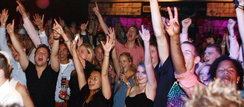 Oktoberfest - Themafeest met live muziek & live DJ - Liever Live