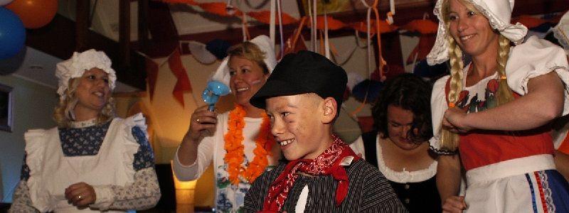 Heel Holland Feest - Themafeesten met live muziek & DJ - Liever Live