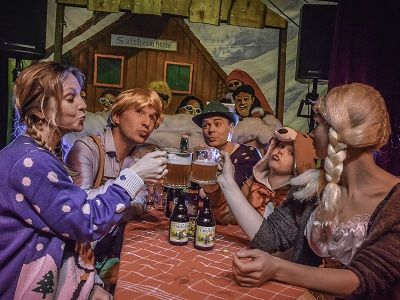 Oktoberfest - Tiroler themafeest of event met live muziek, dj, entertainment en decoratie - liever live - bierfeest met latlopen, spijkerslaan