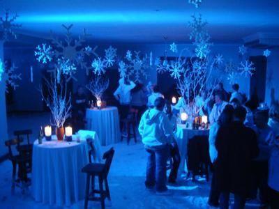 Winter Wonderland - Sprookjesachtig Themafeest met Live Muziek, DJ, Interactief Entertainment & prachtige Decoratie - Liever Live  - live muzikant tijdens dit winterse feest