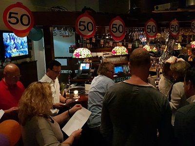 Verjaardagsfeest: live muziek & DJ - Jarig en zin in een feestje ? live zanger/gitarist en een dj op je verjaardagsfeest - wordt je 25 jaar, 30 jaar, 40 jaar, 50 jaar, 60 jaar of een andere mooie leeftijd, wij maken er graag een feest van! Lieverlive.nl