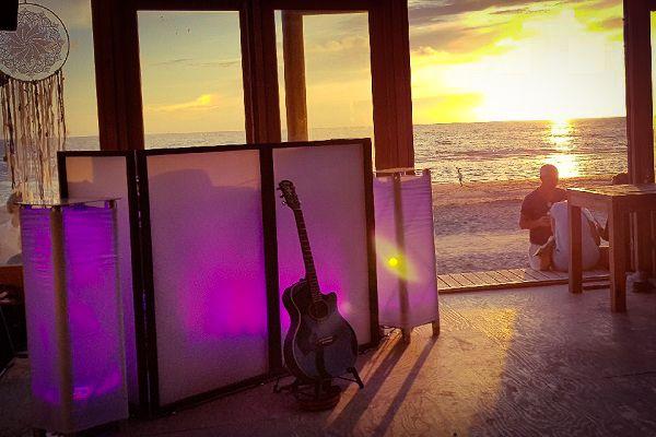 Ibizal themafeest - Feest met livemuziek, dj, decoratie en entertainment - Fantastisch voor strandfeesten, bedrijfsfeesten en evenementen, bruiloften of gewoon feest - Tropisch, strand of festivalfeest? Cruiseboot of Kasteel, alles is mogelijk - ibiza  personeelsfeest of festivalbruiloft