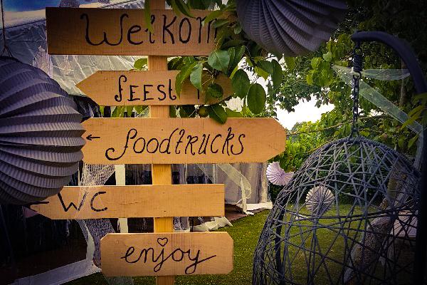 Ibizal themafeest - Feest met livemuziek, dj, decoratie en entertainment - Fantastisch voor strandfeesten, bedrijfsfeesten en evenementen, bruiloften of gewoon feest - Tropisch, strand of festivalfeest? Cruiseboot of Kasteel, alles is mogelijk - ibiza